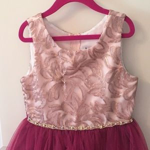 Rare Editions Dresses - Party dress w/ Rhinestone detail